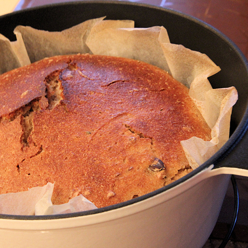 Простой рецепт хлеба в чугунной кастрюле