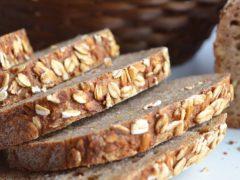 Хлеб пшеничный на закваске с овсяными хлопьями и семечками подсолнечника
