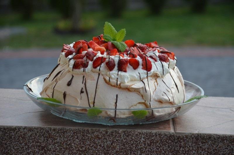 tort-beze-pavlova-recept