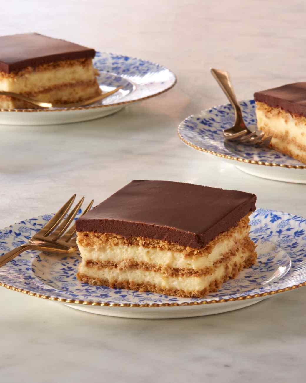 Шоколадный торт из крекеров и заварного крема от Марты Стюарт