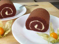 Рецепт бисквитного шоколадного рулета в домашних условиях