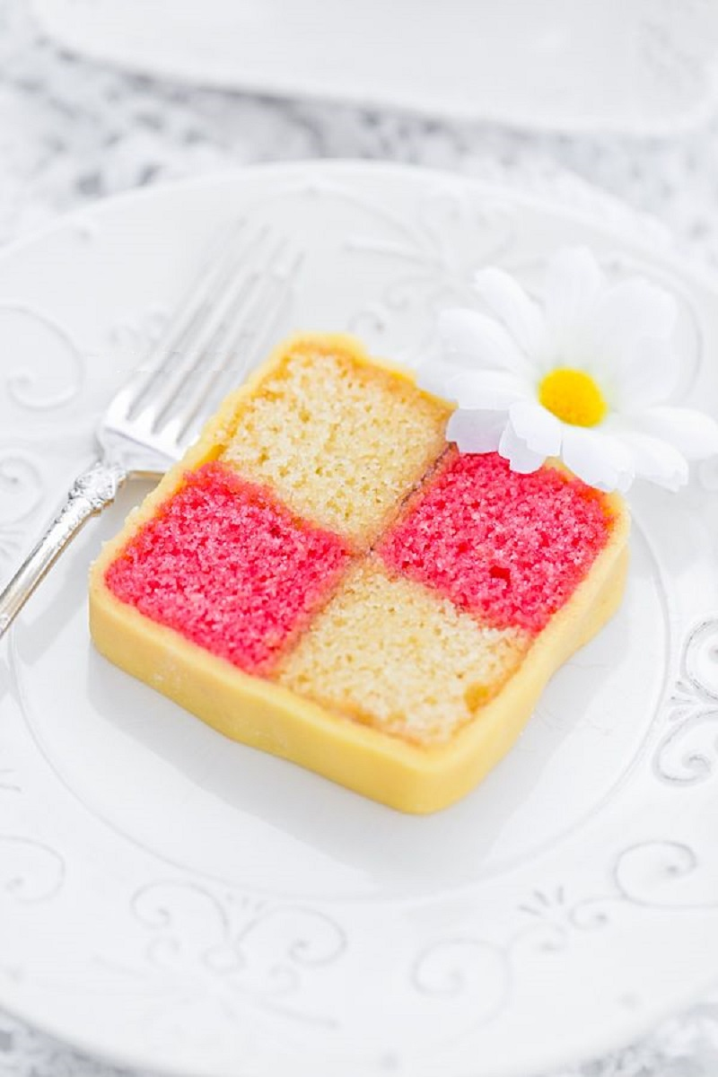 tradicionnyj-angliyskiy-tort-Battenberg
