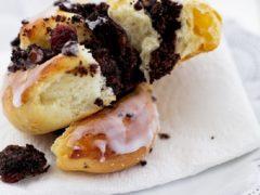 Сладкие булочки из сдобного теста с маком