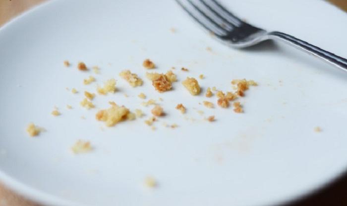 Легкий десерт из яблок и песочного теста