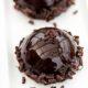 Шоколадный мусс с бисквитом и малиной