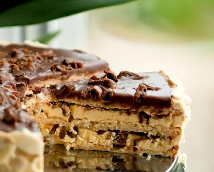 Шведский миндальный торт с конфетами Daim