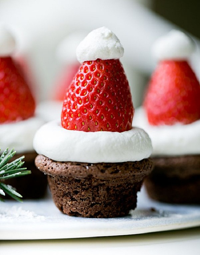 Новогодние мини-кексы для Деда Мороза