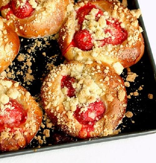 Сдобное тесто для булочек — рецепты самого вкусного и нежного дрожжевого теста