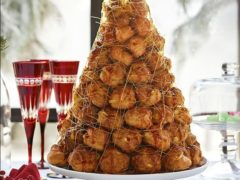Новогодний торт Крокембуш из заварного теста