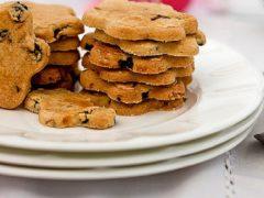 Пасхальное печенье со смородиной