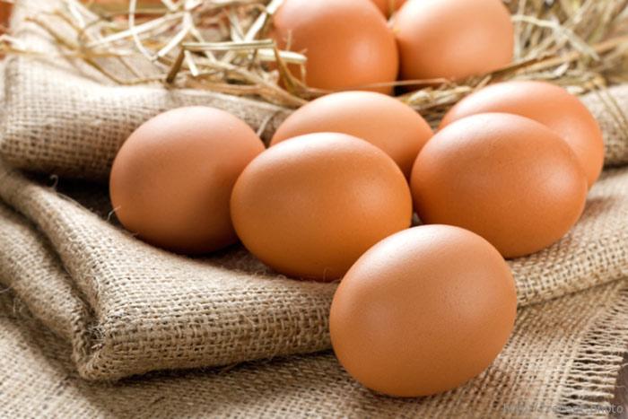 Как обработать яйца, чтобы использовать их сырыми