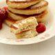 Оладьи на йогурте, кефире и дрожжевые — самые вкусные рецепты