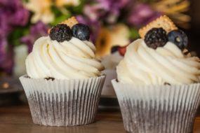 Крем из сливок для украшения торта, пирожных, десерта — хорошо держит форму, рецепт