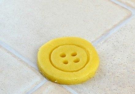 Простое домашнее песочное печенье необычной формы «Пуговицы»